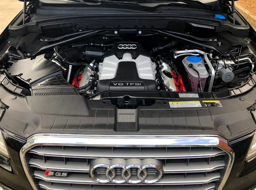 2021 Audi SQ5 Engine